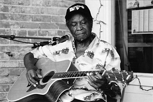 "David ""Honeyboy"" Edwards photo by Mark Brockway of Natchez, MS"