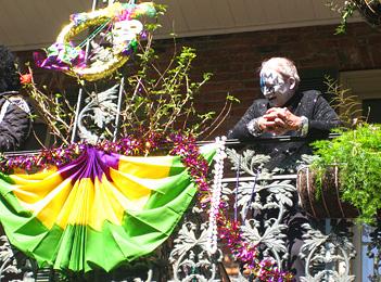 Photo of Mardi Gras masker Chris Lane