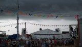 The rain rolls into Jazz Fest 2009