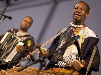 Sunpie Barnes (left) and Seguenon Kone of Ensemble Fatien (photo by Derek Bridges)
