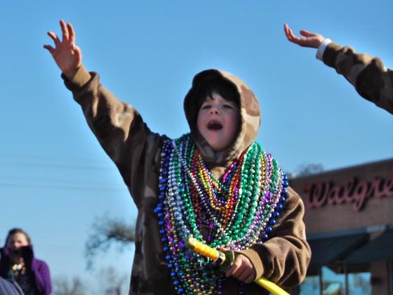 kid hustling beads