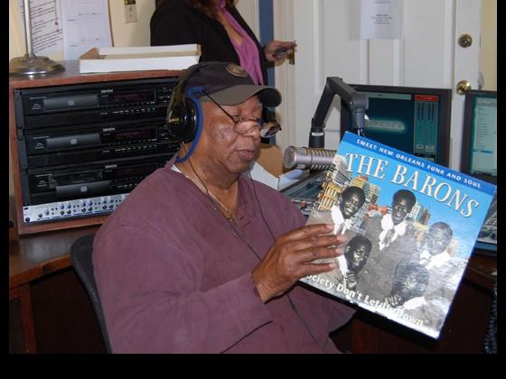 Bob plays vinyl