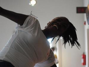 Ensemble Fatien dancer. Photo by Geoffrey Samuels.
