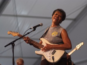 Barbara Lynn at Jazz Fest 2008 [Photo by Leon Morris]