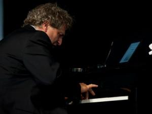 David Torkanowsky [Photo by Ryan Hodgson-Rigsbee]